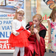 Gala Vedetelor de Martisor - Clubul ARLECHIN - Botosani Shopping Center FOTO - 2015 (246 of 359)